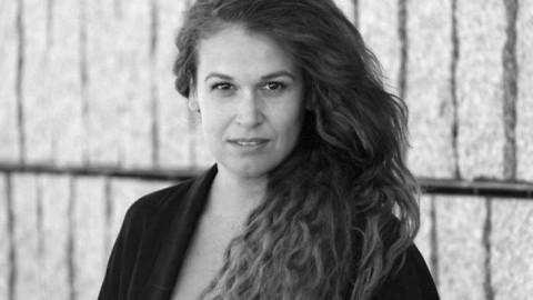 Carlota Ferrer, una currante de la poesía teatral