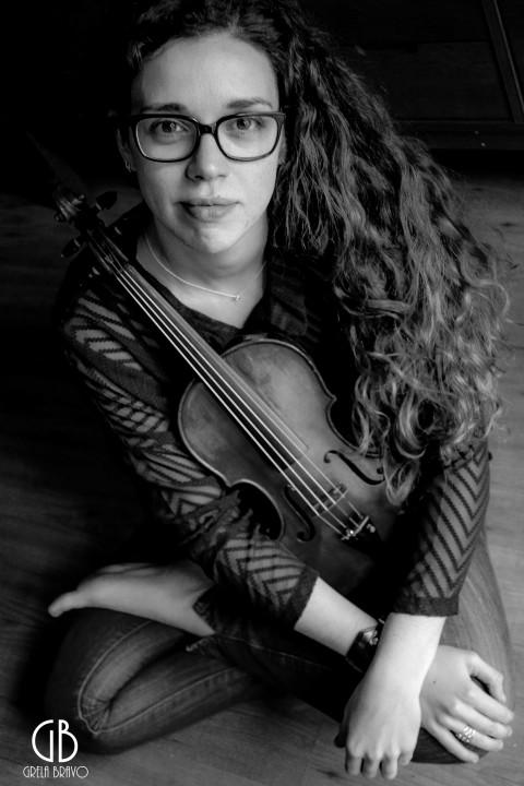 Elena Rey; poesía de cuerdas