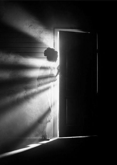 la luz tras la puerta