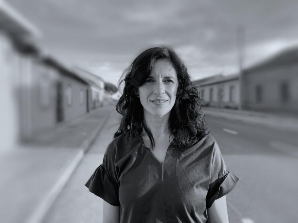 Foto Raquel Vidales blanco y negro (1)