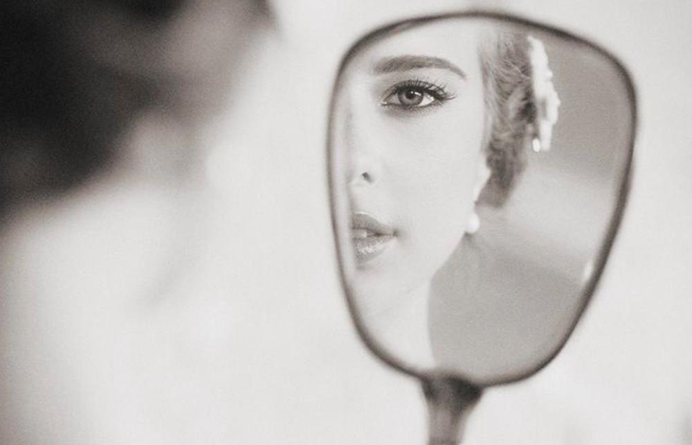 Autorretrato ante el espejo