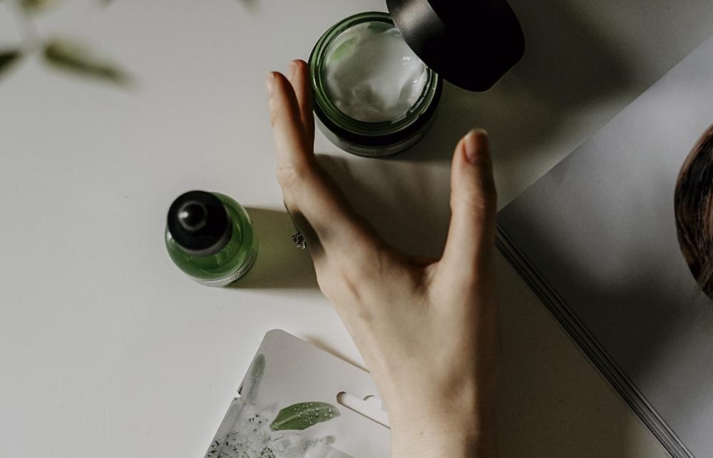 """Manchas: 7 tratamientos que """"limpiarán"""" tu piel"""